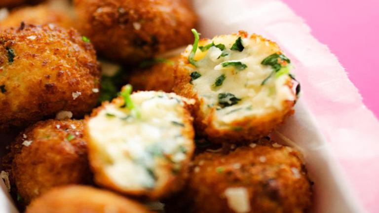 Különleges köret: spenótos-sajtos krokettek