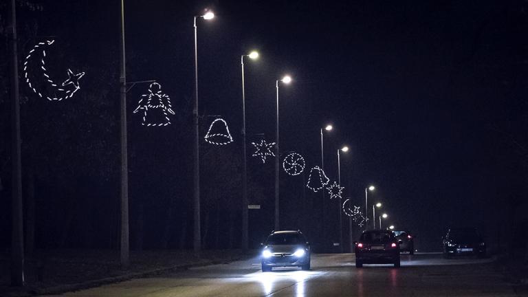 Az ünnepi fények forrása (X)