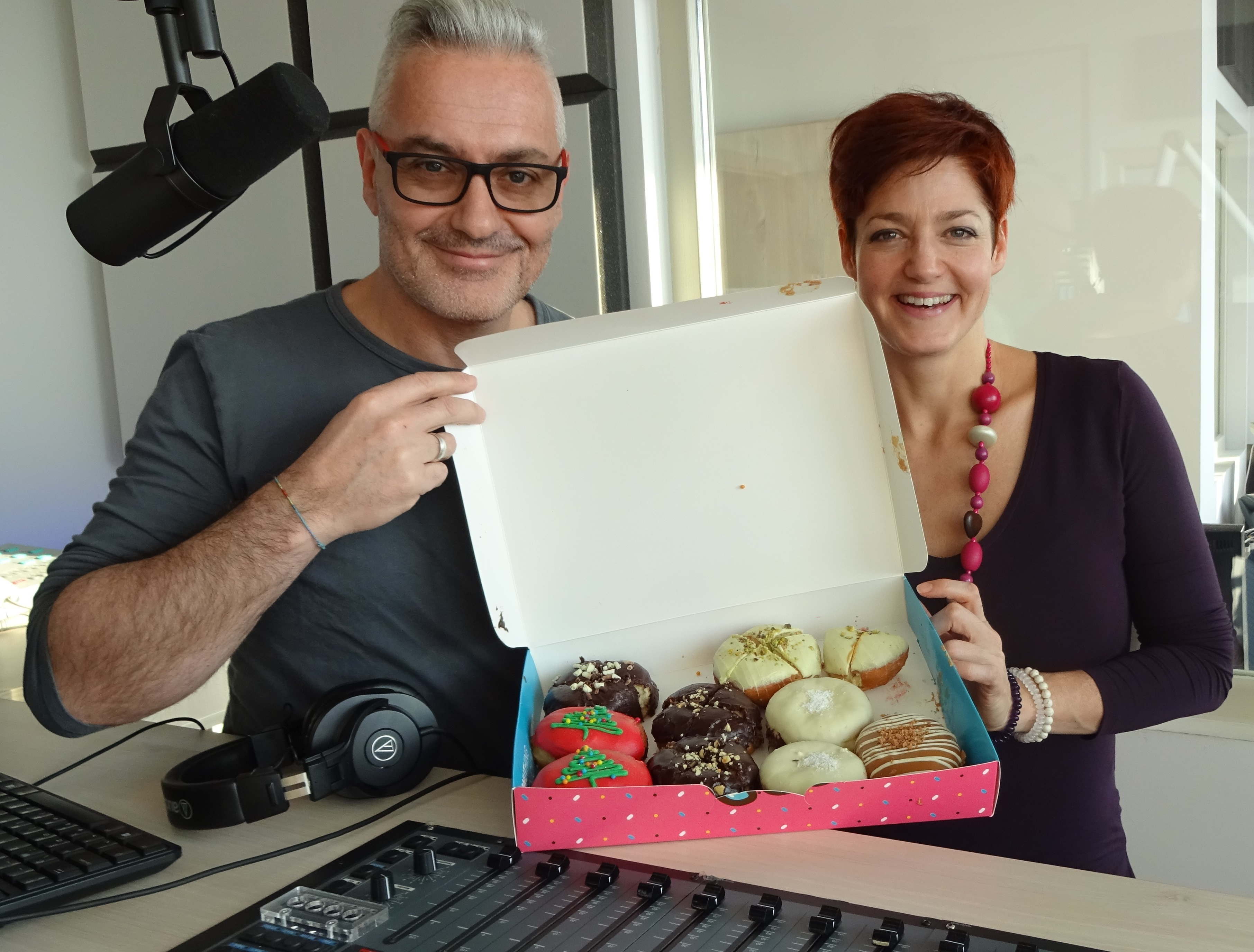 Nem ettek Vajna Tímea fánkjából a Sláger FM műsorvezetői