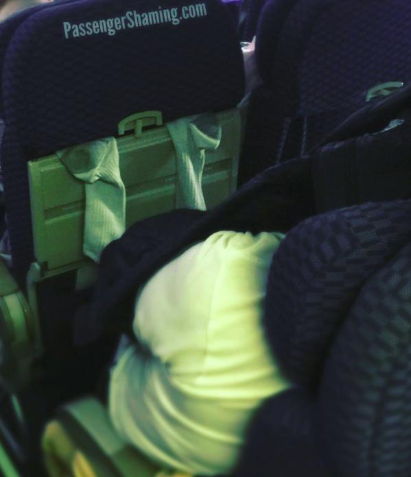 10 utas, aki rémálommá tette a repülést - vicces fotók