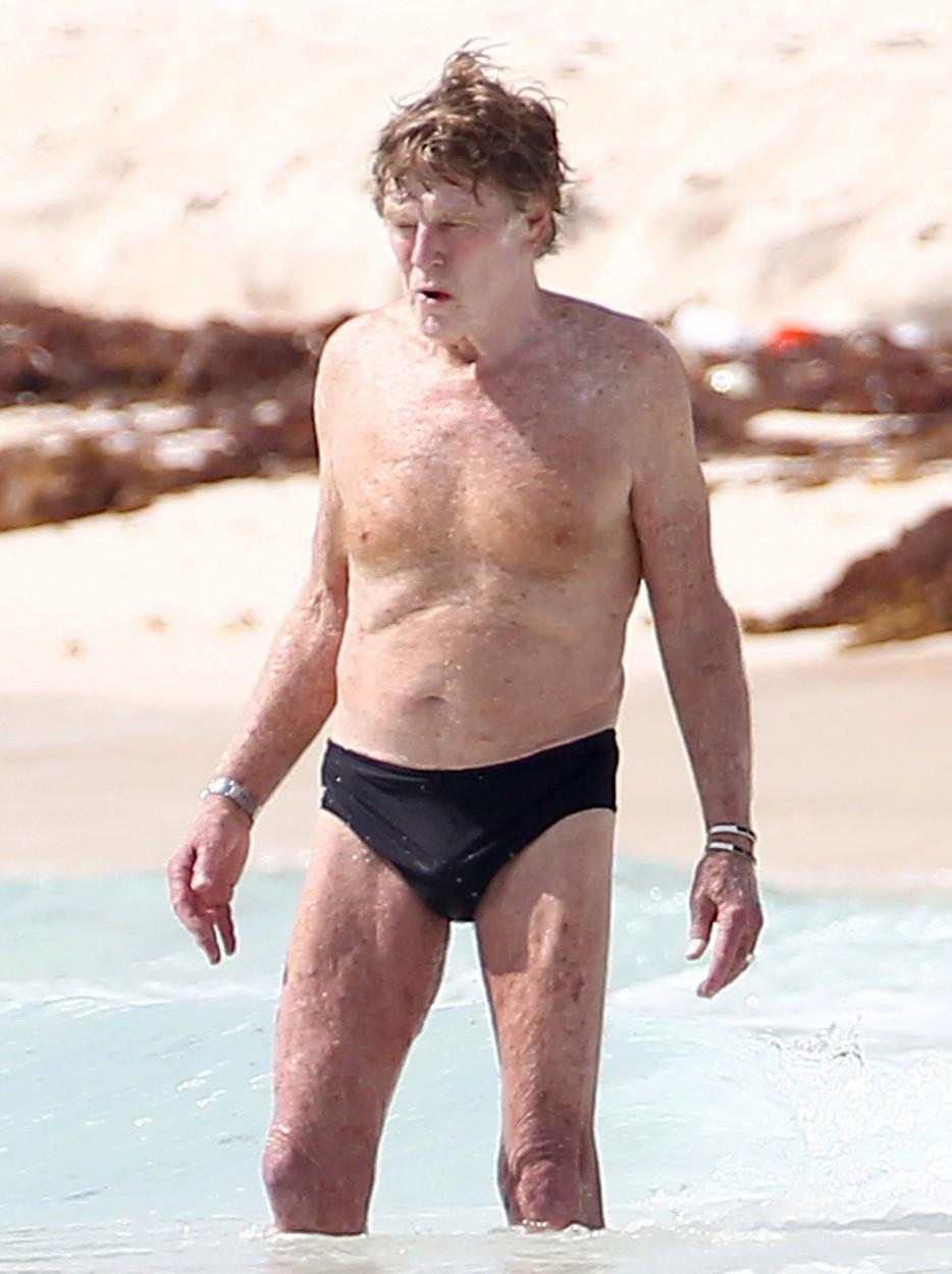 Ilyen, amikor a 80 éves Robert Redford fecskében strandol