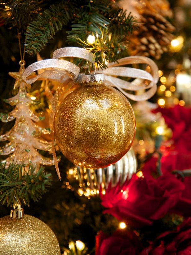 Nem fogod elhinni, hogy készült ez a gyönyörű karácsonyfadísz!