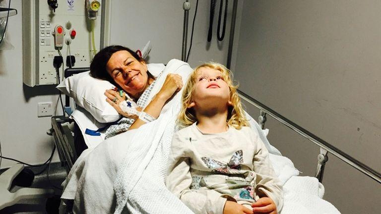 Sophie Sabbage és kislánya, Gabriella