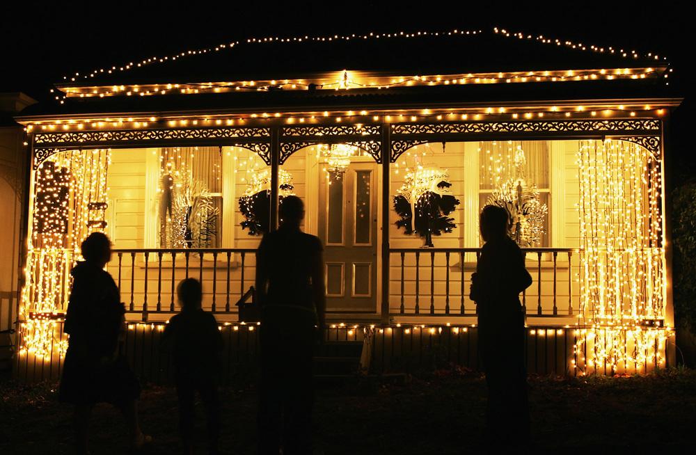 Franklin Road, a hely ahol a szomszédok sportot űznek a karácsonyi dekorációból