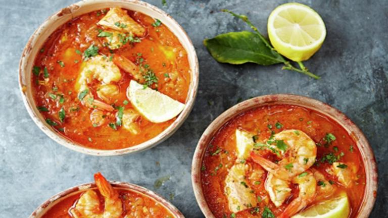Halászlé helyett: szicíliai halleves Jamie Olivertől