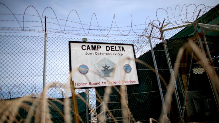 A guantanamói tábor bejárata