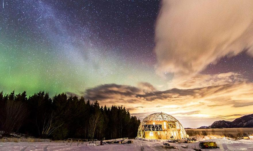 Elképesztő házban él egy család az Északi-sarkon