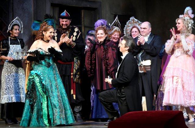 Az előadás fináléjában valódi lánykérés történt az Operában (fotó: )