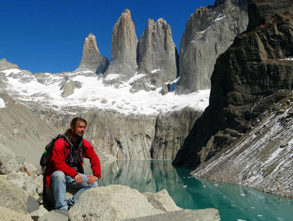 Endre a Torres del Paine csúcsai alatt (Chile, 2014. október)
