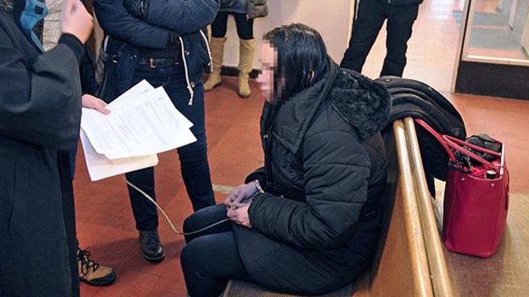 Előzetes letartóztatásban a gyermekét megölő érdi nő - MTI Fotó: Mihádák Zoltán