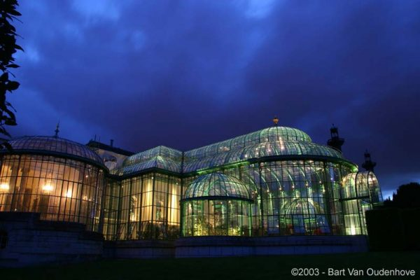 A legszebb, ma is látható épület a Királyi üvegház Laekenben, Brüsszel közelében.