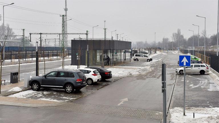 A metróberuházáshoz kapcsolódva épült negyedik, utolsó P+R parkoló a 4-es metró kelenföldi végállomásánál - MTI Fotó: Máthé Zoltán