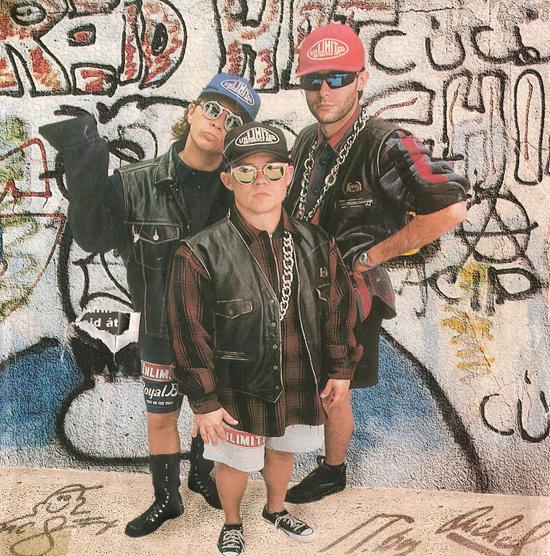 Rapülők: Egyetlen lemezt terveztek poénból, a 90-es évek legnagyobb magyar popsikere lett belőle