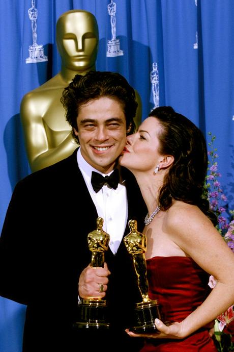 Benicio Del Toro és Marcia Gay Harden az Oscar díjátadón