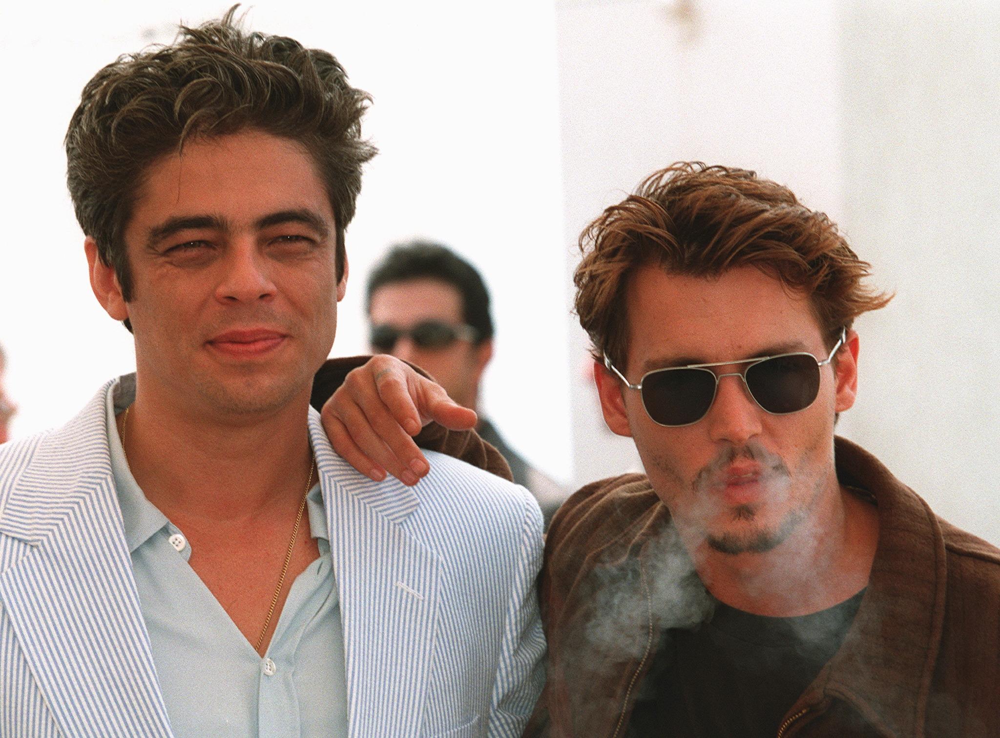 Benicio Del Toro és Johnny Depp Cannes-ban, a Félelem és reszketés bemutatóján