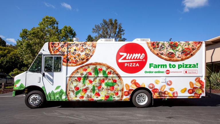 A furgon hátuljában sülnek a finomságok (Fotó: Zume Pizza)