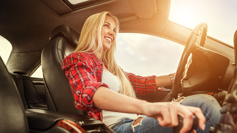 Hogyan maradjunk frissek egy hosszabb autóút alatt?