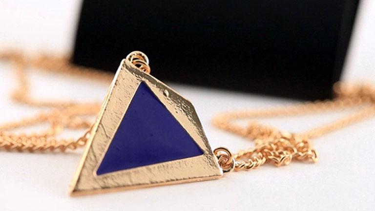 A 99,6 százalékos kék kadmium háromszög - Fotó: CBC