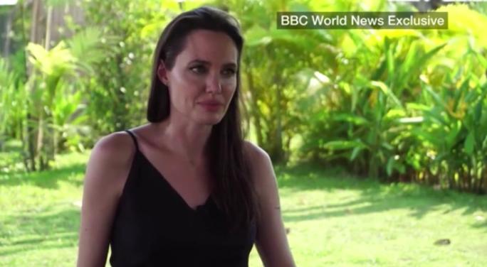 Angelina Jolie sírva nyilatkozott a válásáról Brad Pittel - ezt mondta