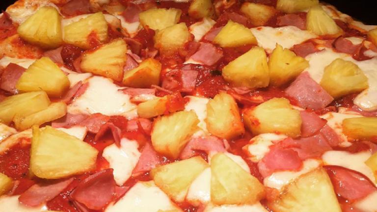 Izland elnöke betiltaná az ananászos pizzát