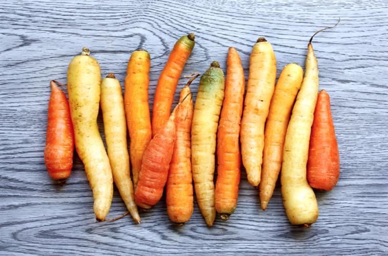 Derítsd ki, milyen zöldség vagy gyümölcs lennél a horoszkópod szerint!