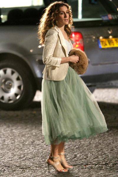 Carrie Bradshaw 10 szettje, ami ma is trendi