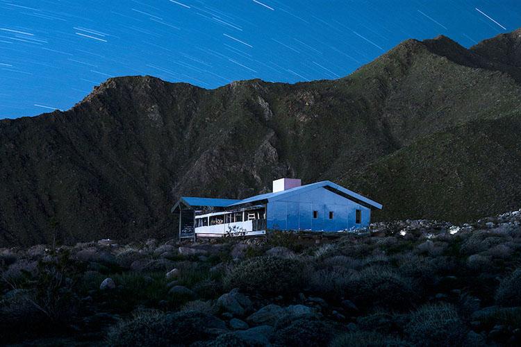 Észre sem vennéd a kaliforniai tájban ezt az elképesztő, tükrös házat - fotók