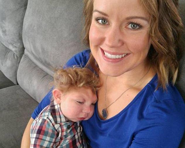 Elmúlt két éves a kisfiú, akinek az orvosok születésekor néhány percet jósoltak