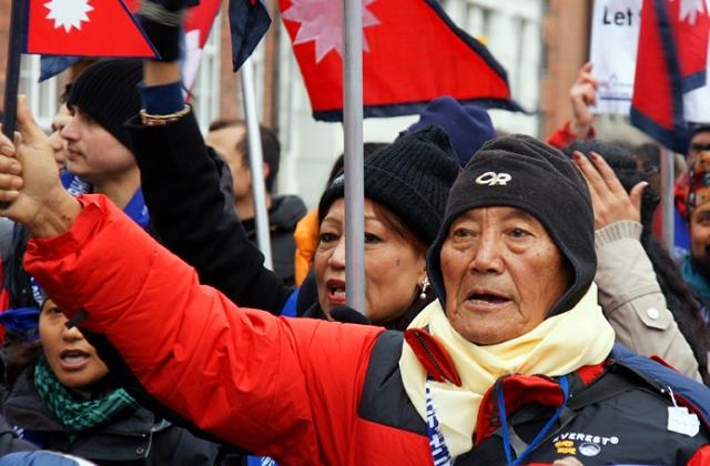86 évesen akarja megmászni a világ legmagasabb hegyét