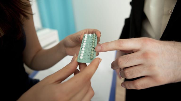 Menstruáció eltolás: megéri vagy sem késleltetni?