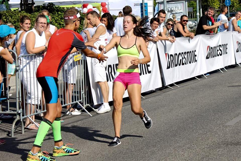 Ismerjétek meg Kamillát, aki gimnázium mellett készül a triatlon vb-re!