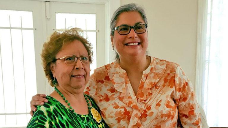 Jessica Farrar (j.) egy szavazójával (Fotó: Jessica Farrar/Facebook)