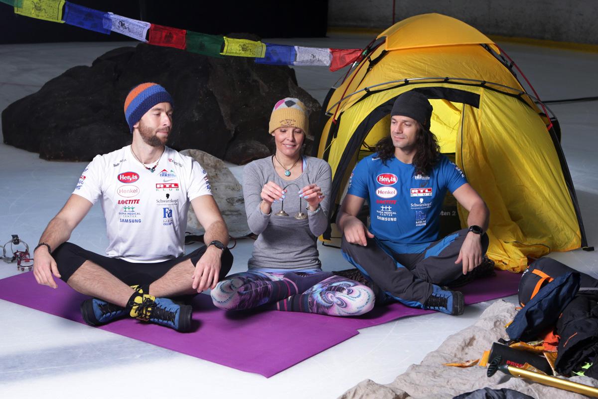 Klein Dávid és Suhajda Szilárd fejre álltak a jégen