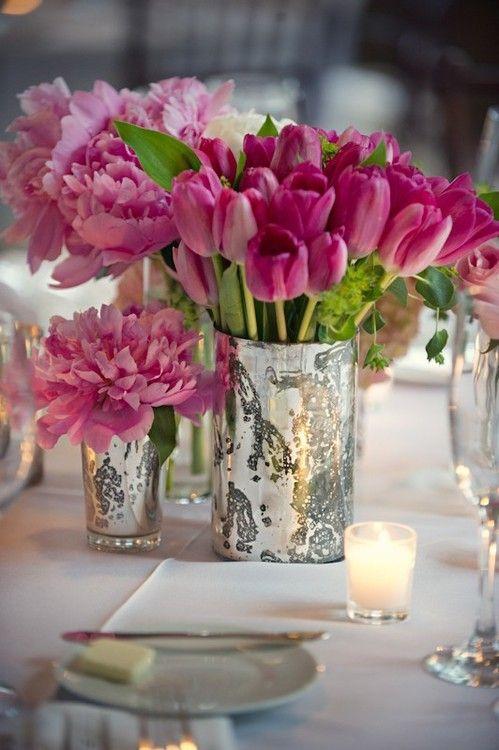 Esetleg tavasszal tartod az esküvőd? Akkor a dekorból semmiképp se hagyd ki a tulipánt! Tökéletes választás.