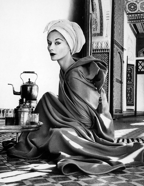 1951, Woman in Moroccan Palace (Fotó: Irving Penn)