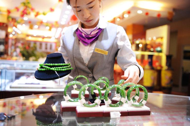 Ékszerek egy kínai üzletben (Fotó: Getty Images)