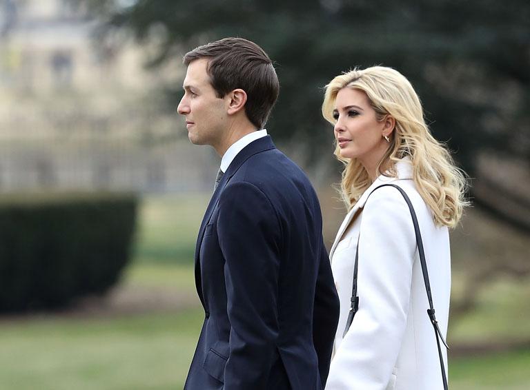 Az elnök emberei: Ivanka Trump és Jared Kushner a Fehér Ház kertjében