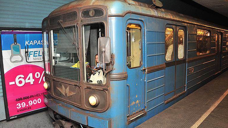 Elfüstölt egy metró Újpest-Központnál
