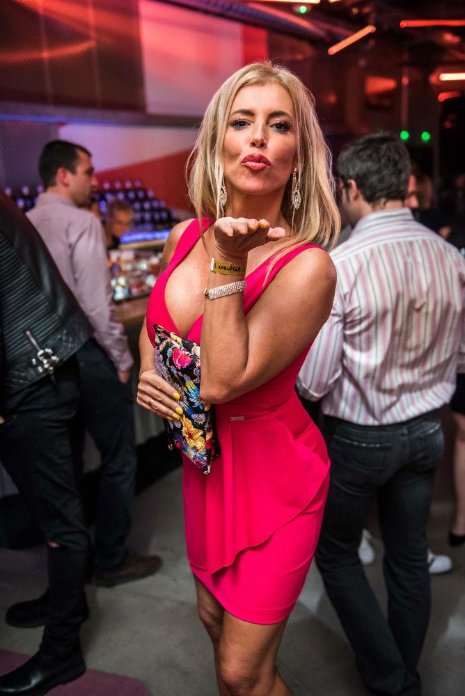 Ónodi Eszter szexi csipkében, Nagy Alexa óriási dekoltázsa - Sztárparádé a Playboy gálán