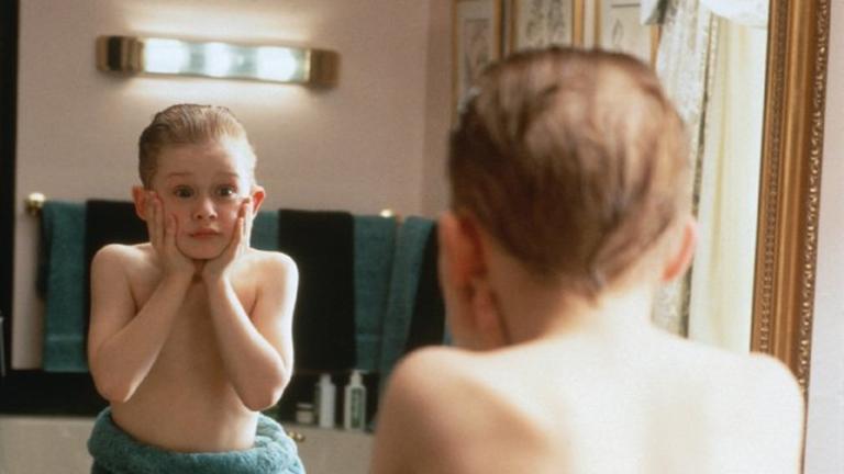 5 jel, hogy a gyereked készen áll rá, hogy egyedül maradjon otthon