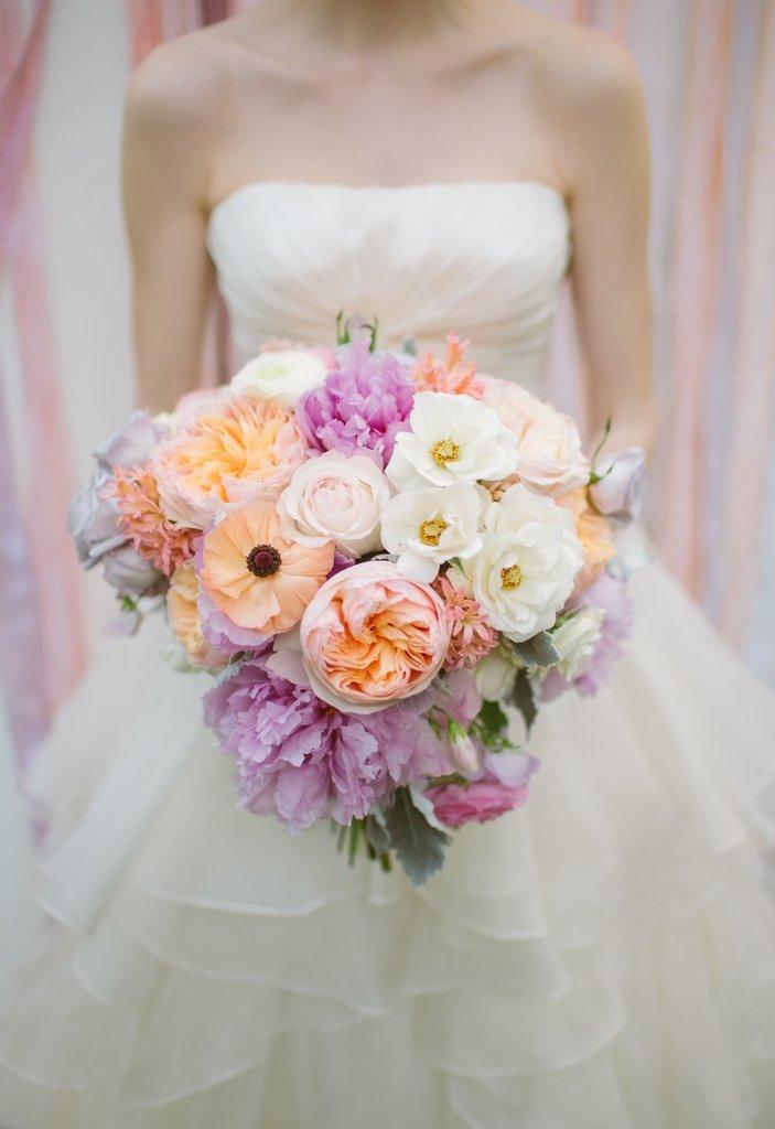 10 káprázatosan szép tavaszi esküvői csokor, amitől egyből kedved támad férjhez menni