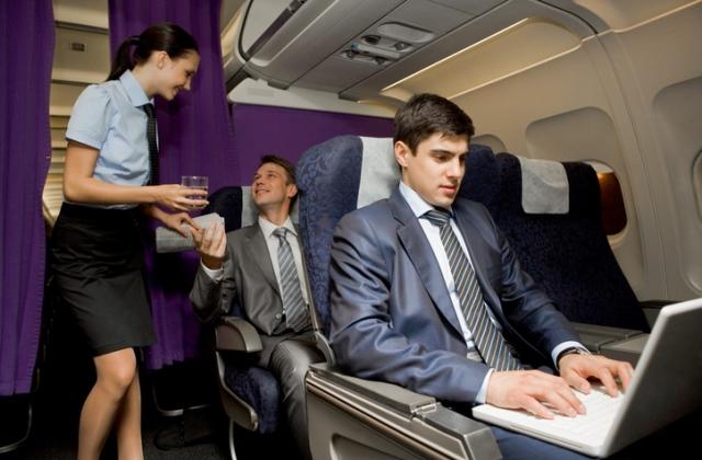 Az Aeroflot szerint az utasok 92 százaléka a csinos utaskísérőknek örül