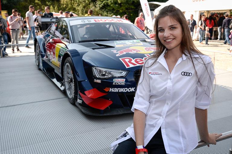 A nagy álom a háttérben látható DTM-Audi (Fotó: //vivienkeszthelyi.com)