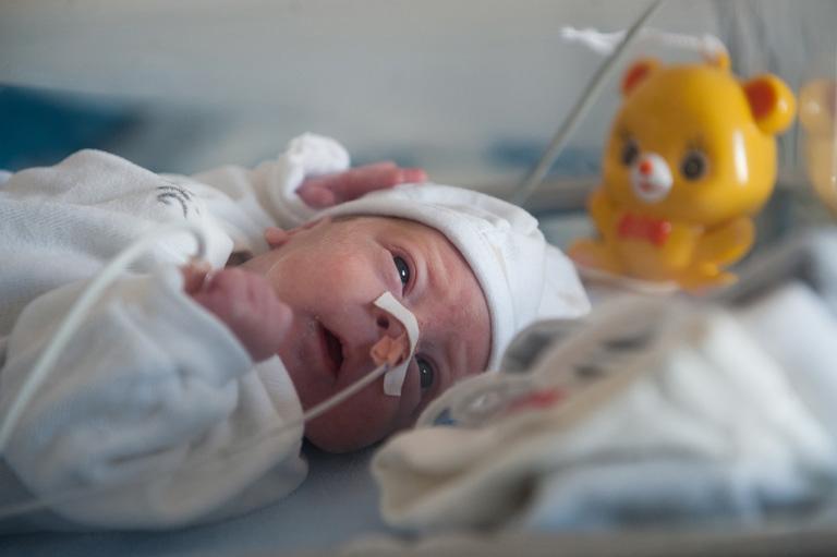 Szabad-e sírni az inkubátor mellett? - Anyák, akiknek fél szíve a kórházban maradt