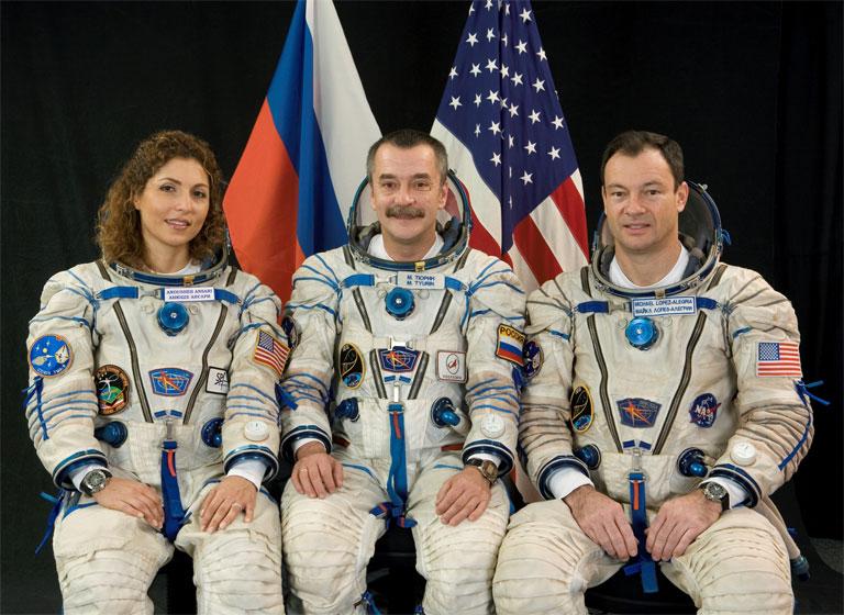 Anousheh Ansari (b.) a világ harmadik űrturistájaként az ISS nemzetközi űrállomáson is járt (Fotó: NASA)