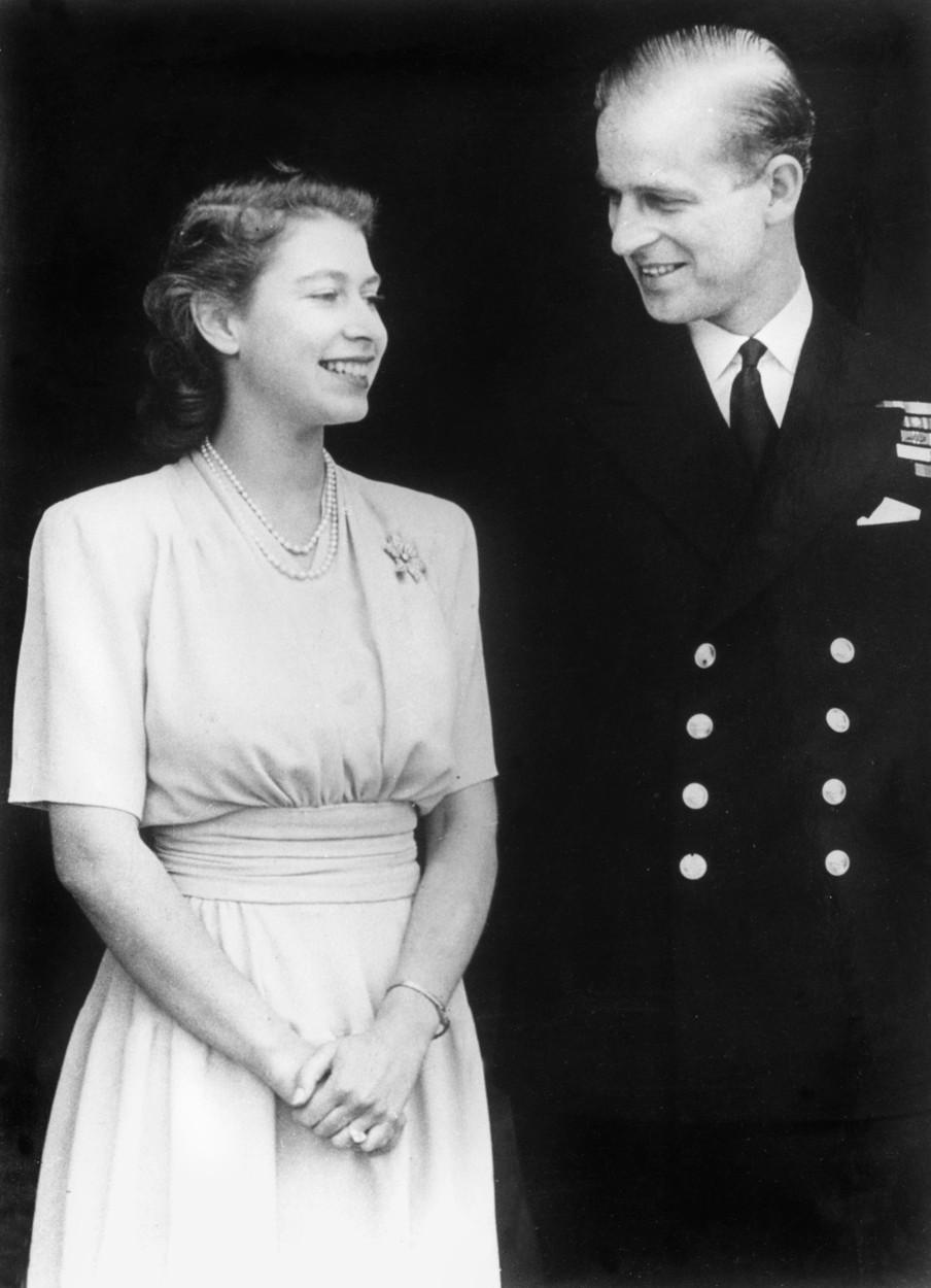 Erzsébet és Fülöp az eljegyzésükön