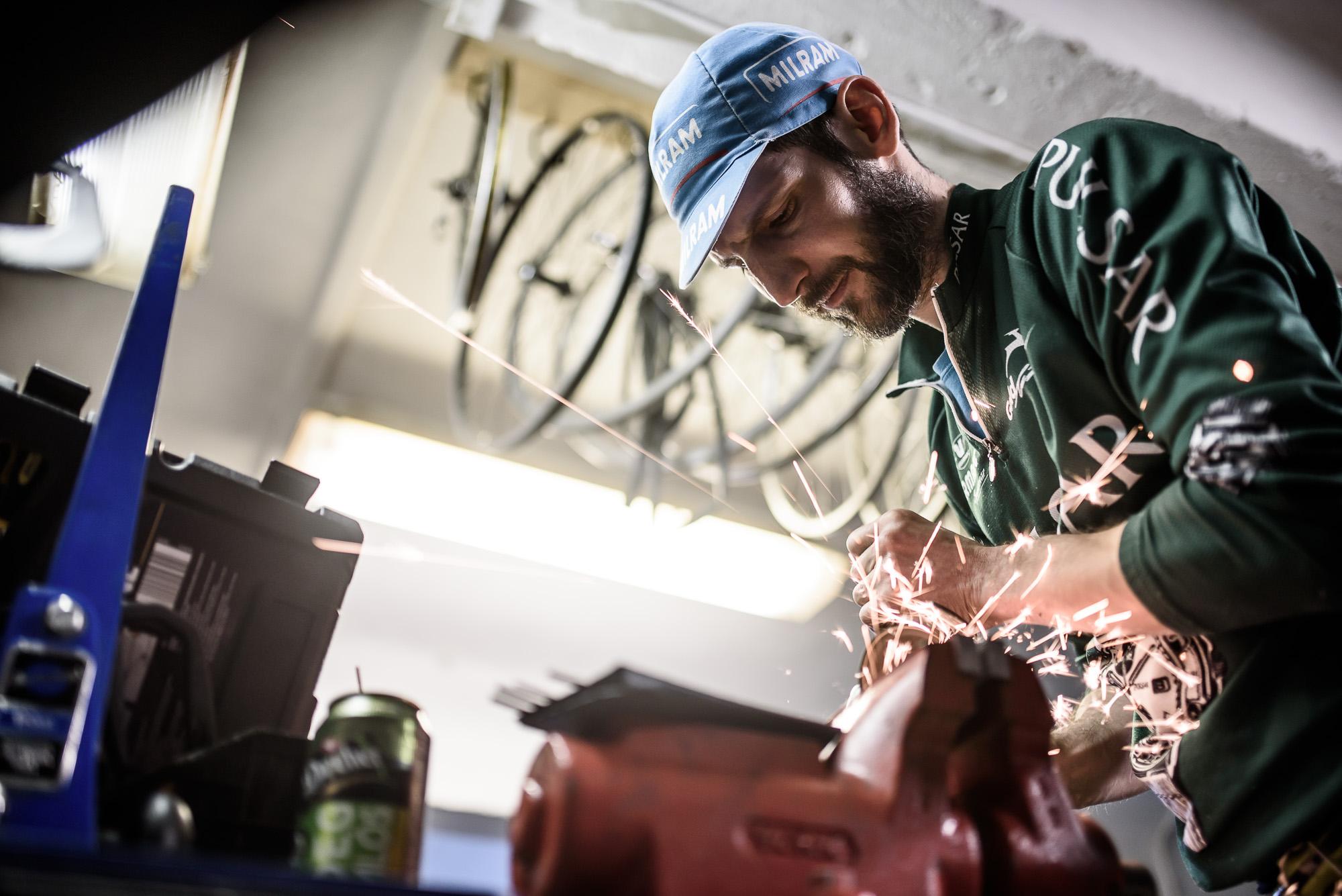 Elképesztő szobrokat készít biciklis kacatokból a veterán szervizes