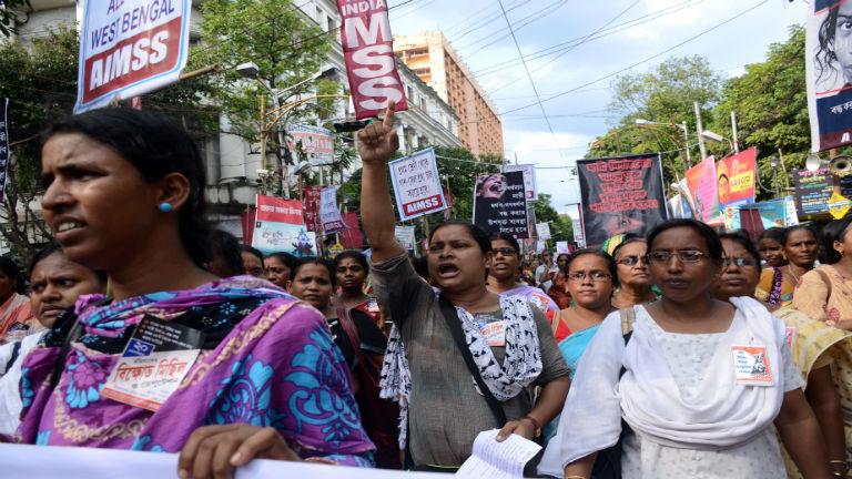 Tüntetés a nők megerőszakolása ellen