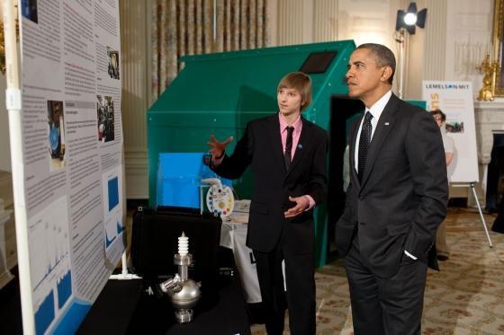 Taylor Wilson és Barack Obama amerikai elnök 2012-ben (Fotó: Wikipedia)