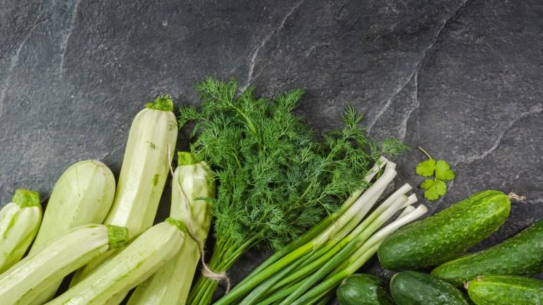 Vesd bele magad a nyárba: tökfőzelék kovászos uborkával